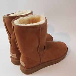 Uggs size 7 brown